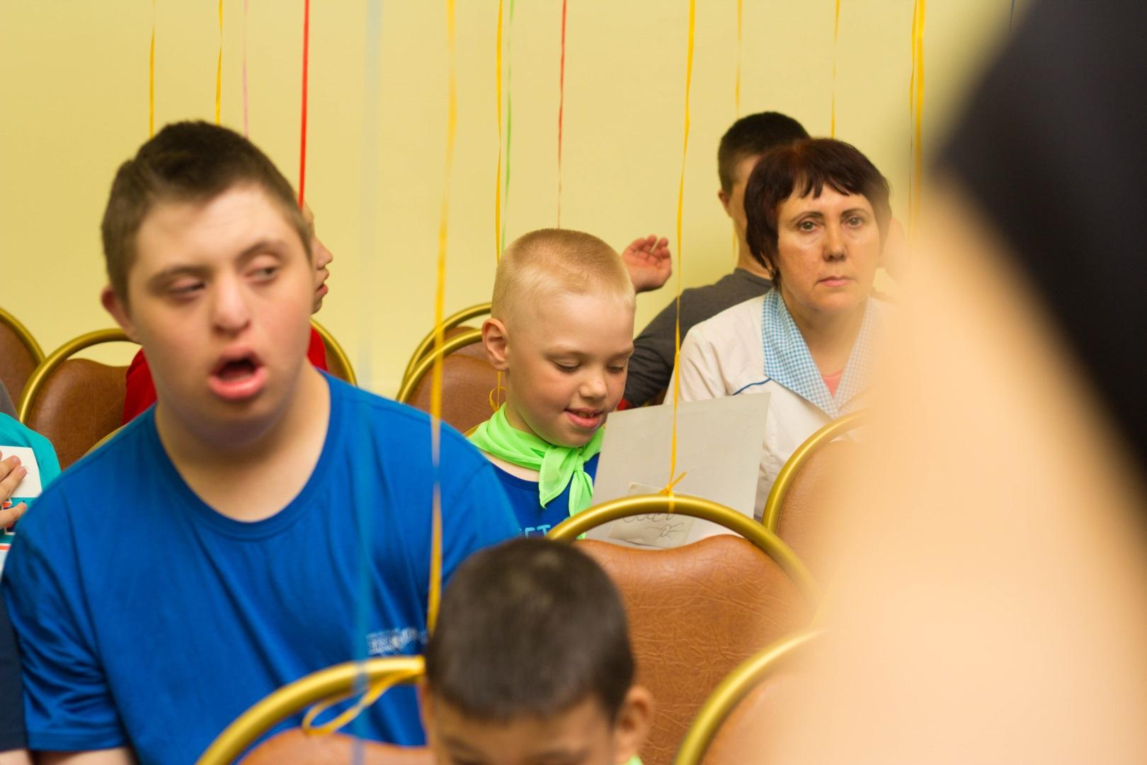 Дом интернат для умственно отсталых детей фото